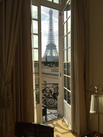 hangrila Hotel Paris Eiffel Tower View